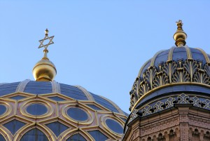 The gilded Moorish dome of the New Synagogue in Berlin, a symbol of resurgent Jewish life in Germany and an iconic landmark in the nation's vibrant capital. Creative Commons Martin Biskoping