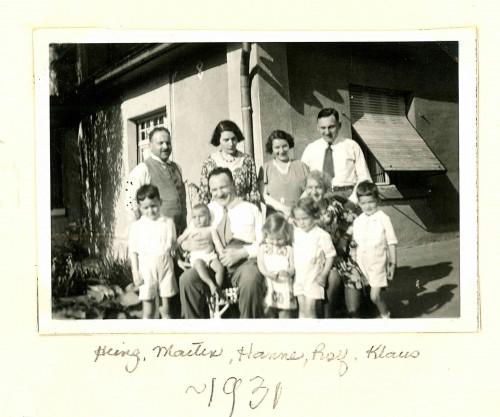 Otto and Emma Oppenheimer with their children and grandchildren in 1931. Harry Ettlinger is on the left in the front row. Courtesy Harry Ettlinger.