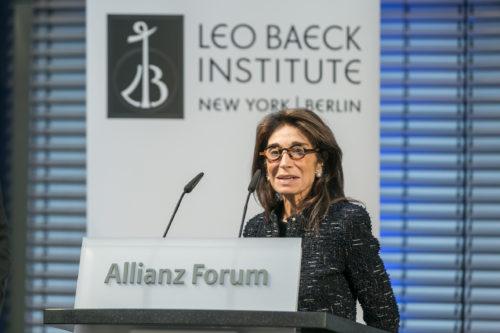 Carol Kahn Strauss