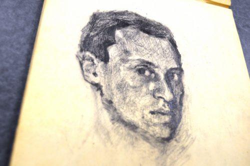 Die Archivsammlung enthält eine Reihe von Porträtzeichnungen von Hans Jonas, wie dieses undatierte Selbstporträt.